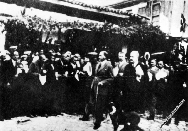 Mustafa Kemal Paşa'nın Kastamonu Taşköprü'de elind...