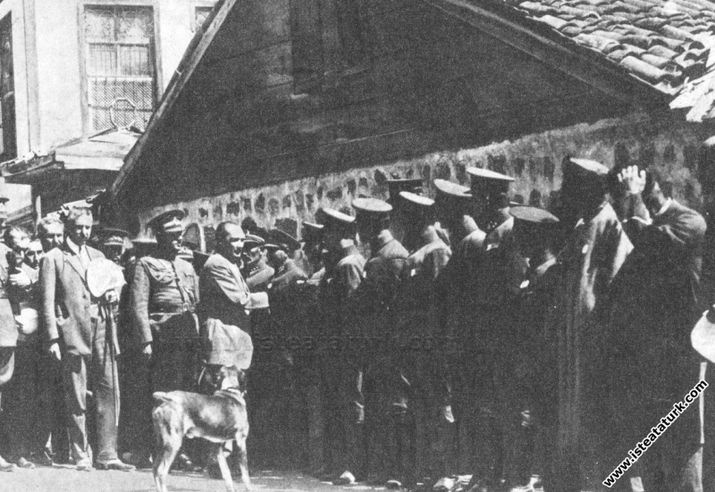 Mustafa Kemal Paşa Kastamonu dönüşü Çankırı'ya gel...