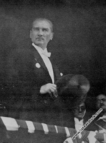 Mustafa Kemal Atatürk Cumhuriyet Bayramı geçit tör...