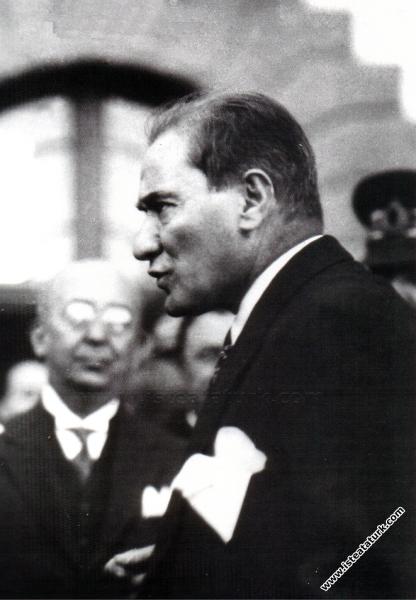 Mustafa Kemal Atatürk Ankara'da. (30.10.1925)...