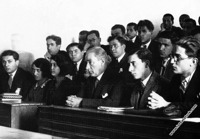 Atatürk'ün Eğitim ve Üniversitelere Bakış Açısı