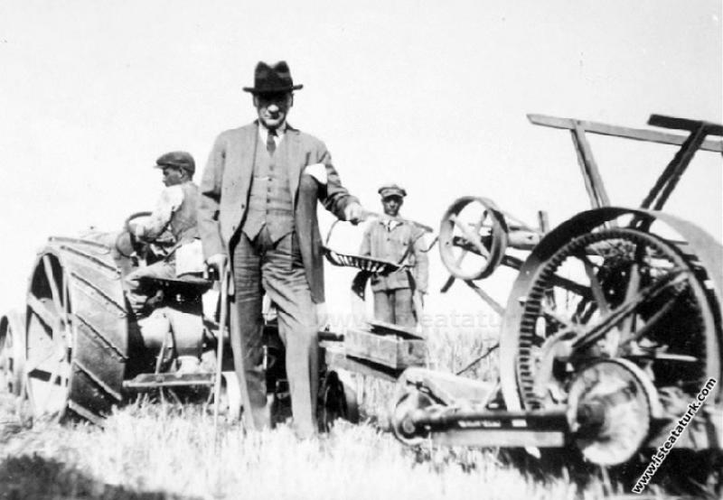 Mustafa Kemal Atatürk Gazi Orman Çiftliği'nde. (04.07.1929)