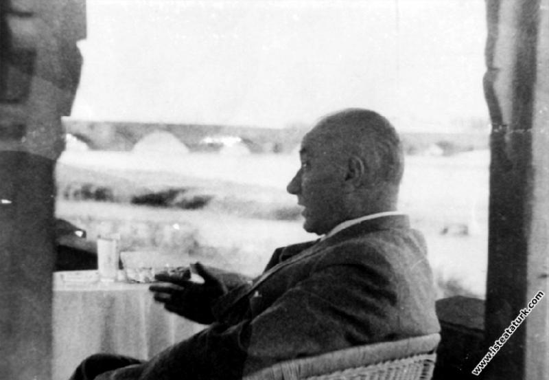 Mustafa Kemal Atatürk Adana'ya son gelişinde. (24....