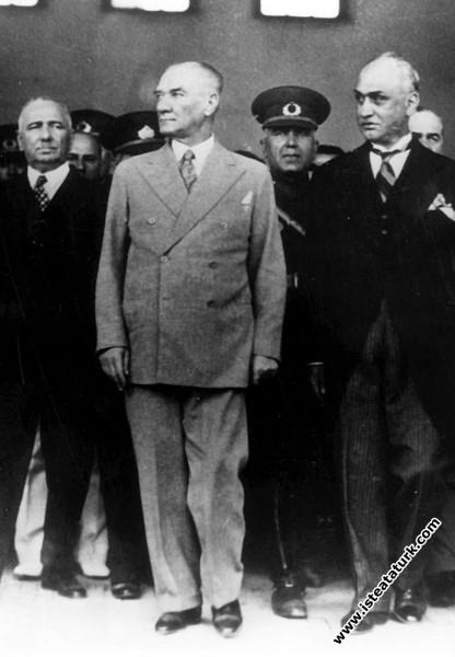 Adana'ya son gelişinde. (24.05.1938)...