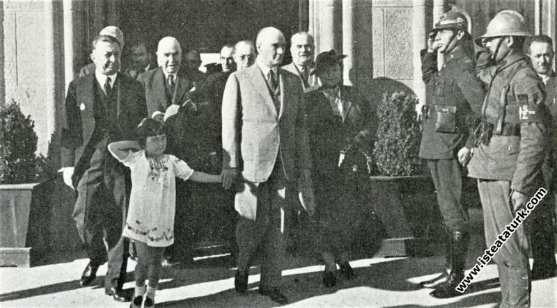 Adana'ya gitmek için Ankara Garı'na gelişi. (19.05...