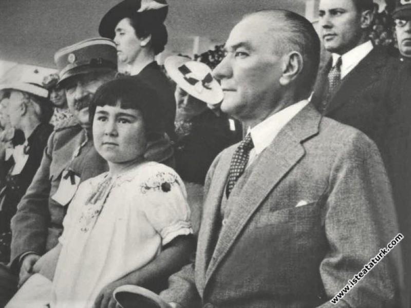 Atatürk Gençlik ve Spor Bayramı'nda stadyumda Yugo...