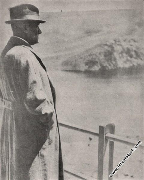 Ankara Çubuk Barajı'nda bir gezinti anında. (07.05.1938)