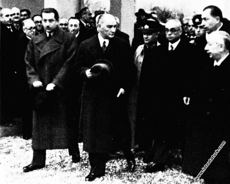 Bursa Sümerbank Merinos Fabrikası'nın açılışına ge...
