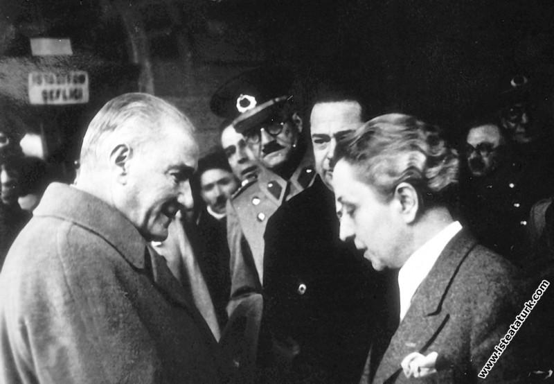Atatürk'ün Eskişehir'de karşılanışı. (20.01.1938)...