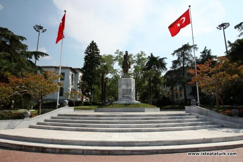 Atatürk Anıtı, Bursa