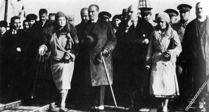 Mustafa Kemal Atatürk Mudanya'da. (04.01.1931)