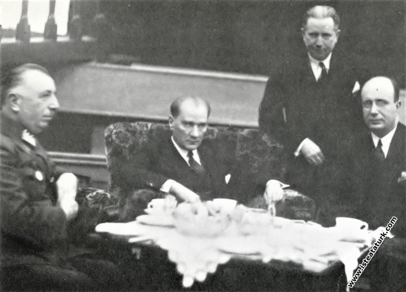Mustafa Kemal Atatürk İzmir Türkocağı'nda verilen ...