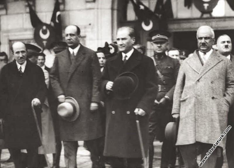 Mustafa Kemal Atatürk Adana İstasyonu'nda. (16.02....