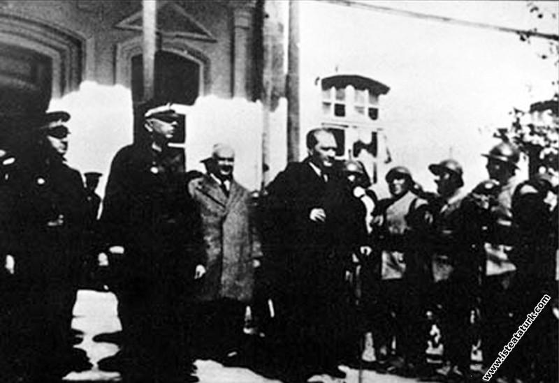 Mustafa Kemal Atatürk Adana'da. (17.02.1931)