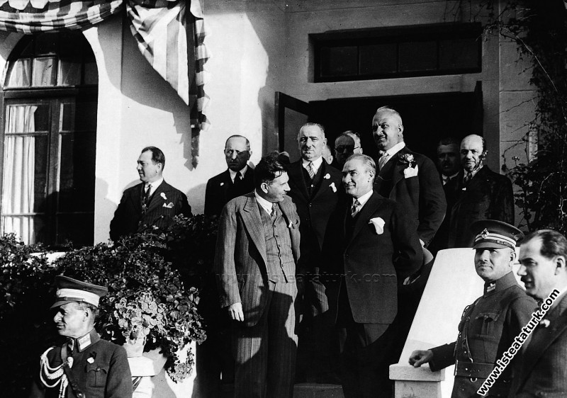 Mustafa Kemal Atatürk Gazi Orman Çiftliğinde. (06....