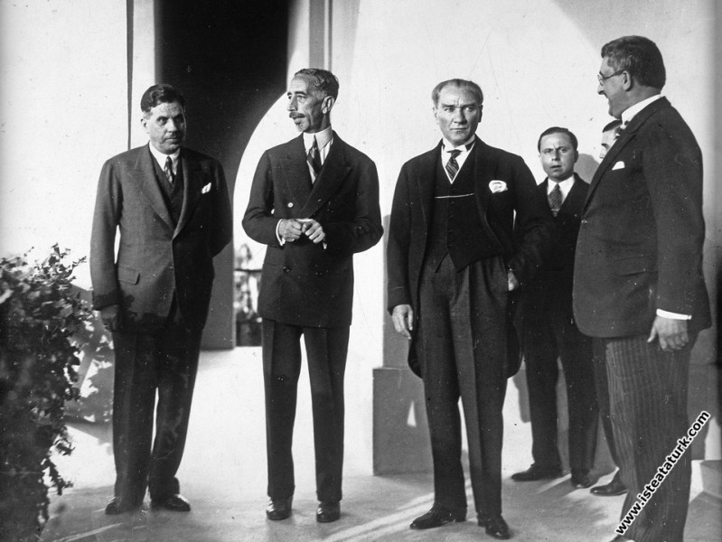 Mustafa Kemal Atatürk Irak Kralı Faysal'la Marmara...