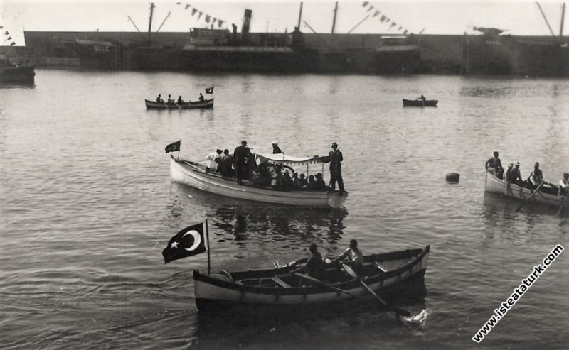 Mustafa Kemal Atatürk'ün Zonguldak'a gelişinde lim...