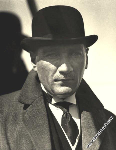 Mustafa Kemal Atatürk'ün Sakarya Motoru ile Suadiy...