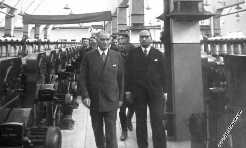 Atatürk Sümerbank Nazilli Basma Fabrikası'nın açılışında. (09.10.1937)