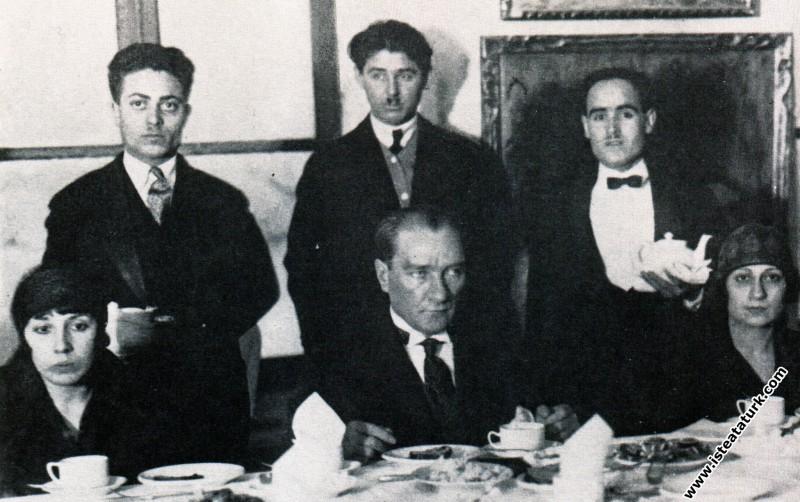 Mustafa Kemal Atatürk Devlet Resim Sergisi çay zi...