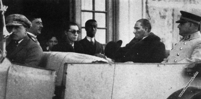 Mustafa Kemal Atatürk Fransa'nın Suriye Komiserini...