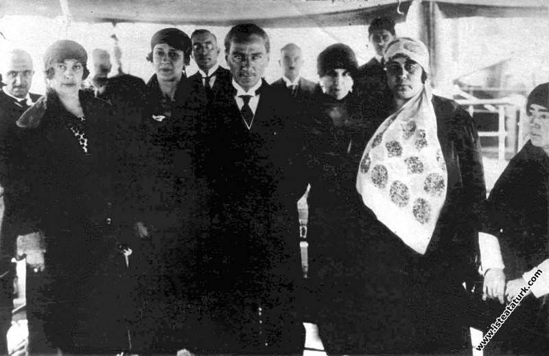 Bursa'da Türk Kadınlar Birliği üyeleriyle. (29.05....