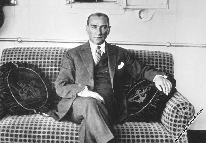 Mustafa Kemal Atatürk Gülcemal Vapuru'nda. (05.06.1926)