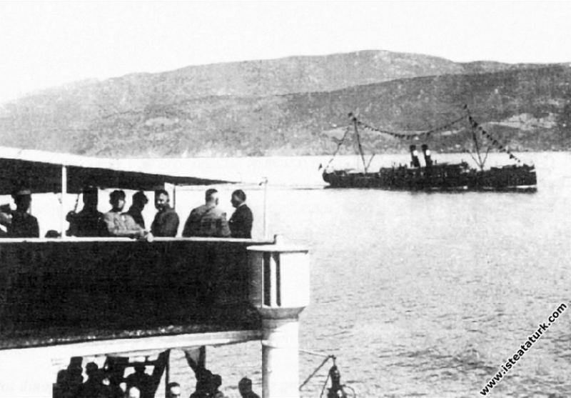 Karadeniz Vapuru'yla Bandırma'ya gelişi. (13.06.19...