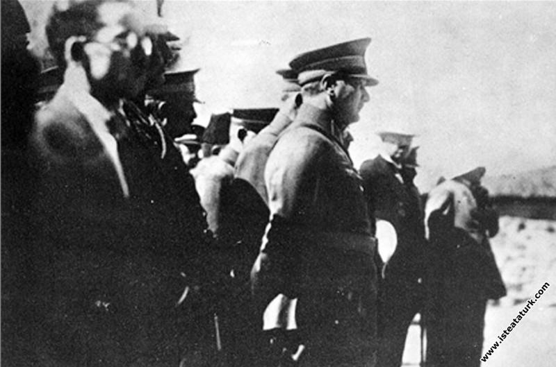 Ankara yakınlarında I. Ordu Manevraları'nda. (08-14.10.1926)