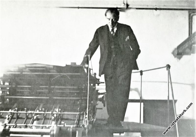 Mustafa Kemal Atatürk Hakimiyet-i Milliye'nin yeni...
