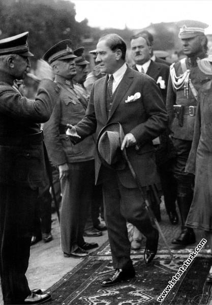 Mustafa Kemal Atatürk Ankara'da. (20.05.1928)...