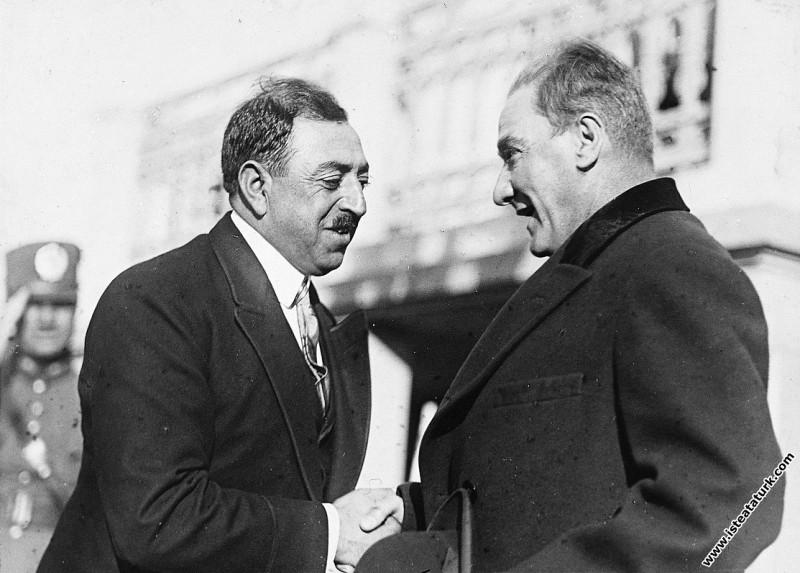 Mustafa Kemal Atatürk Afgan Kral'ı Amanullah'ın ka...
