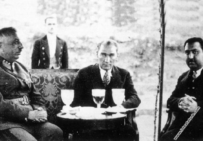 Mustafa Kemal Atatürk Afganistan'da krallık görevi...