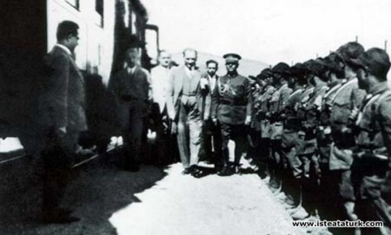 Mustafa Kemal Atatürk'ün Samsun-Sivas Demiryolu üz...