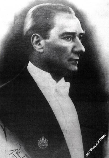 Mustafa Kemal Atatürk Ankara'da. (29.10.1928)...