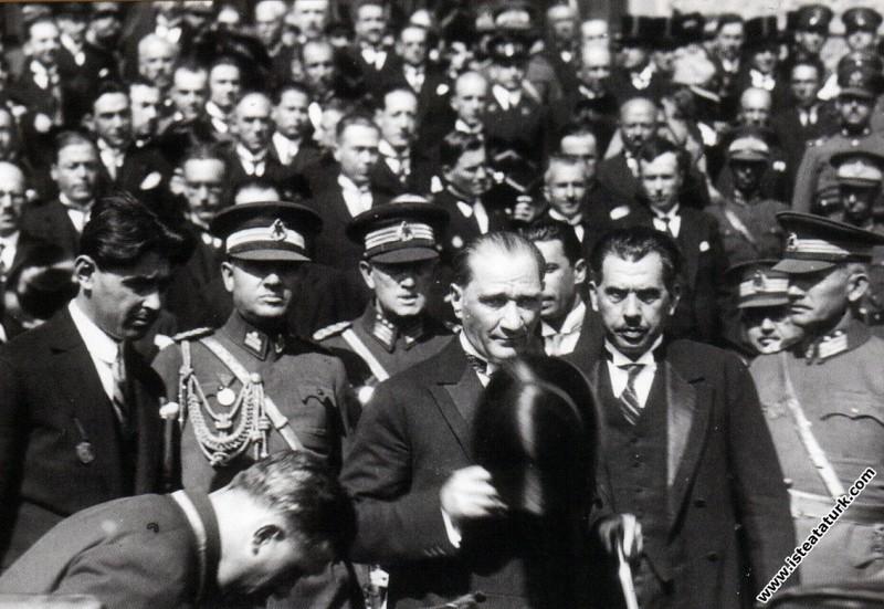 Mustafa Kemal Atatürk'ün İstanbul'a gelişinde Hayd...