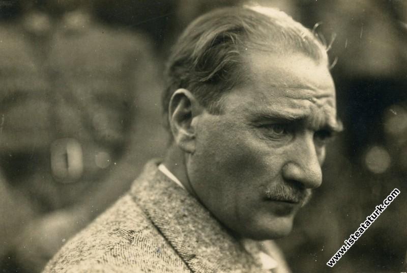 Atatürk'ten Bir Ses