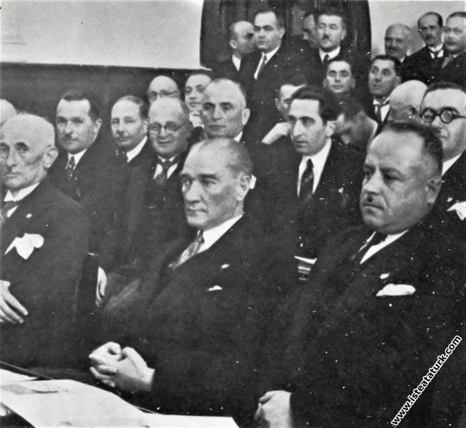 Mustafa Kemal Atatürk CHP'nin 4. Büyük Kurultayınd...