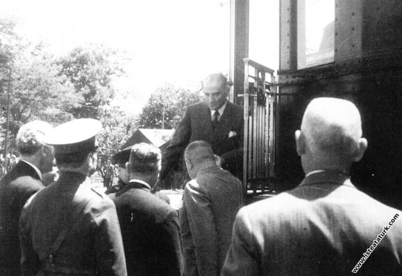 Mustafa Kemal Atatürk'ün Haydarpaşa Garı'nda özel ...