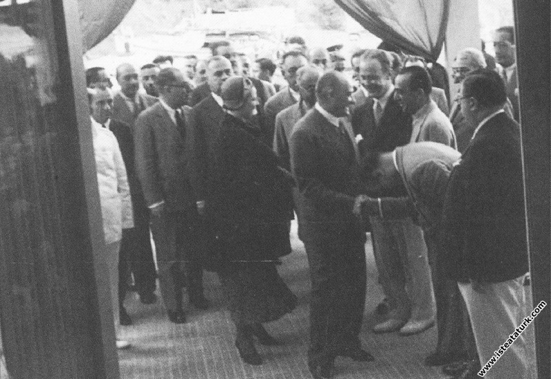 Mustafa Kemal Atatürk Moda Deniz Kulübü'ne gelişi....