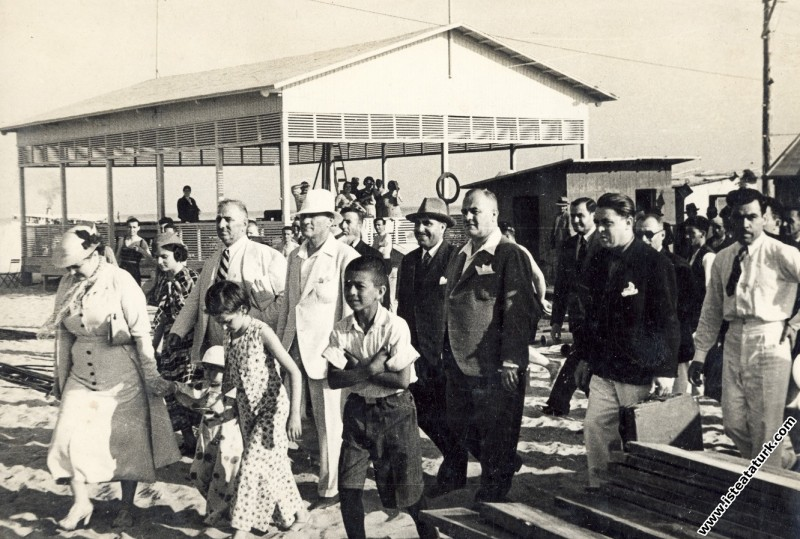 Mustafa Kemal Atatürk Florya Deniz Köşkü inşaatını...
