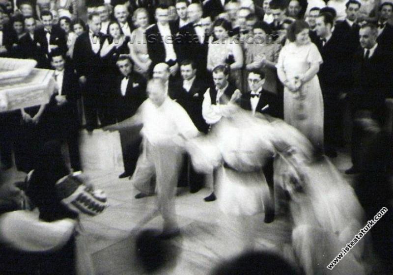 Atatürk ve Musiki İle İlgili Bir Anı