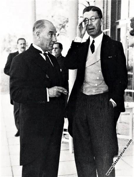 Mustafa Kemal Atatürk İsveç Veliahtı Gustav Adolf'...