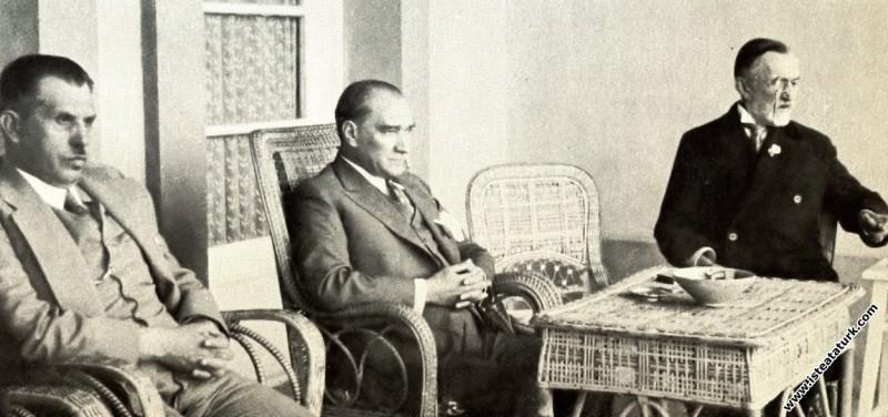 Mustafa Kemal Atatürk'ün Marmara Köşkü'nde Büyük Ş...