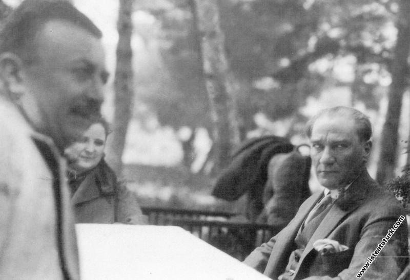 Mustafa Kemal Atatürk Aziziye İstasyonu'nda, Selçu...