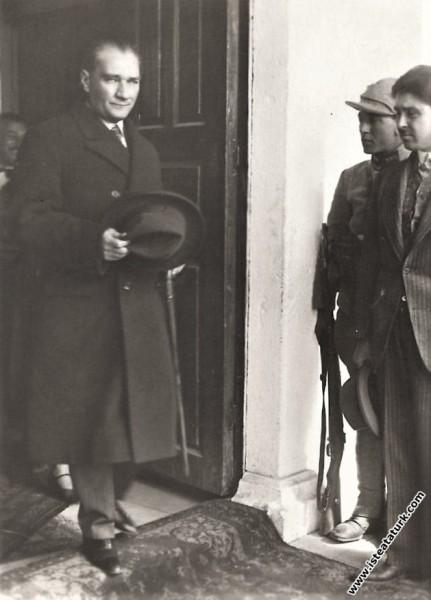 Mustafa Kemal Atatürk'ün Isparta Orduevi'nden ayrı...