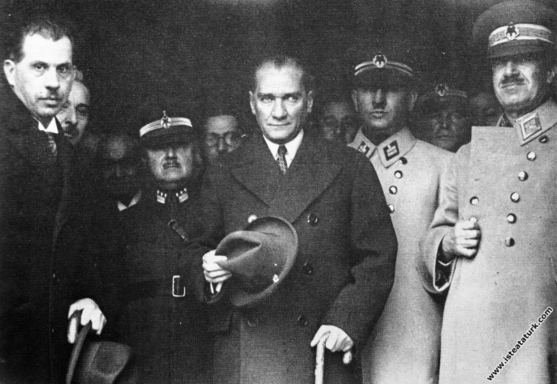 Mustafa Kemal Atatürk'ün Antalya gezisinden Ankara...