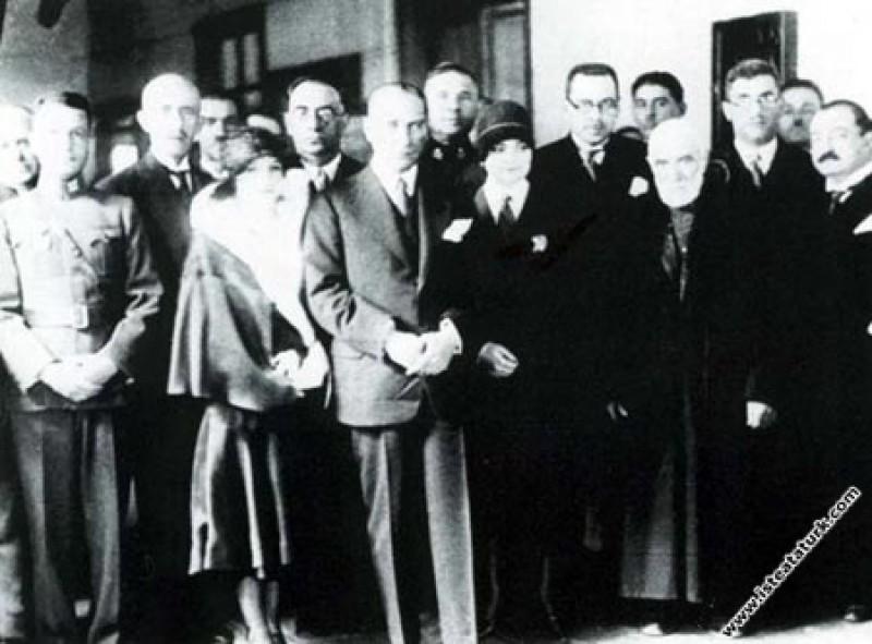 Mustafa Kemal Atatürk Manevi kızı Rukiye'nin nikah...