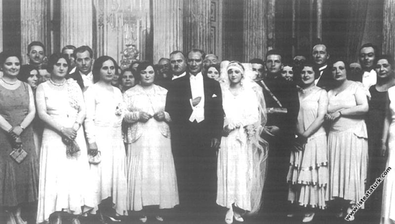 Mustafa Kemal Atatürk Manevi kızı Rukiye'nin Dolma...