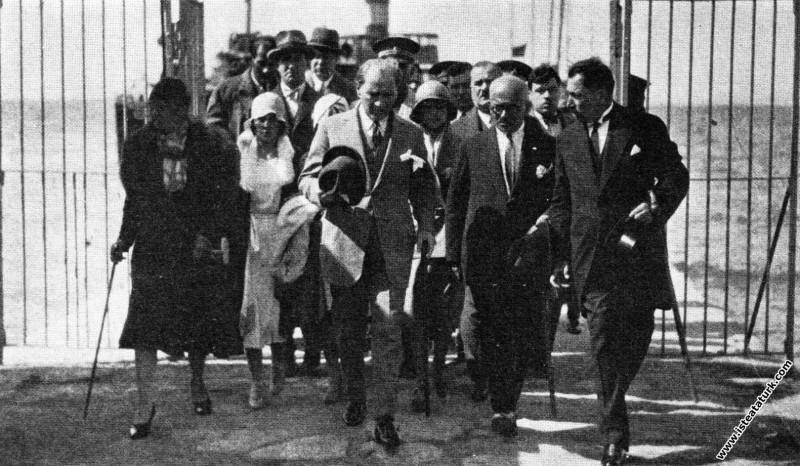 Mustafa Kemal Atatürk'ün Yalova'ya gelişi. (30.06....